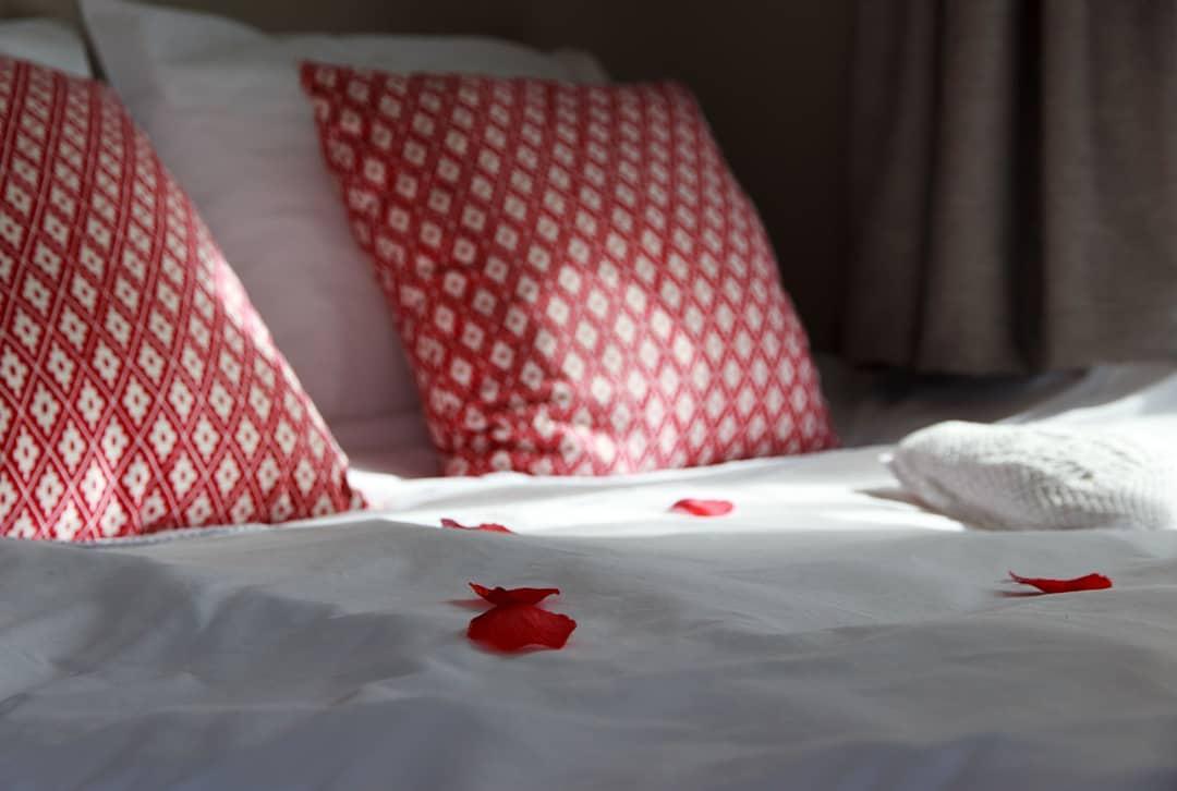 Foto romantisch bed van Bed & Breakfast Sijtje gemaakt door Maaike Kruijer