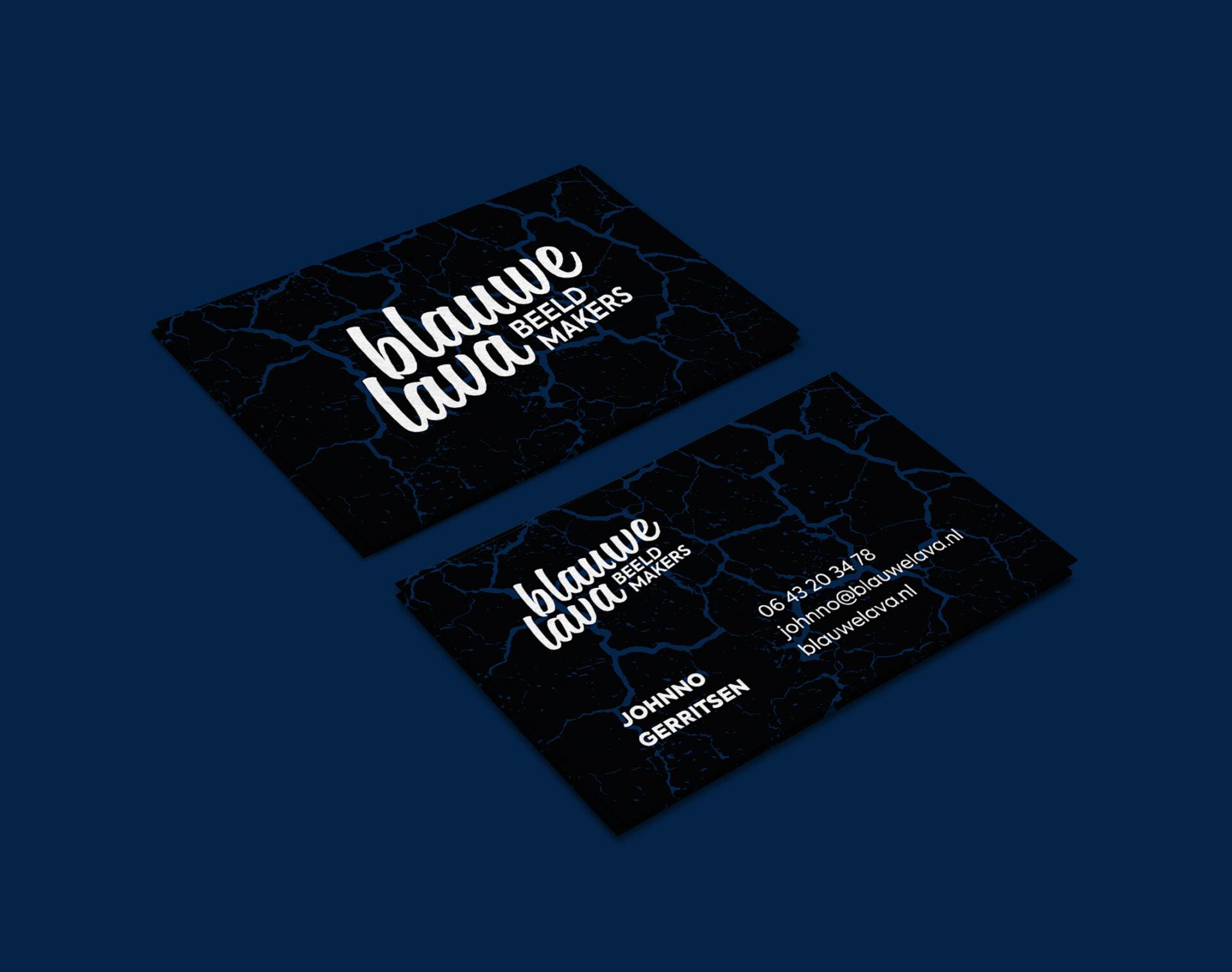 Logo en visitekaartjes voor Blauwe Lava. Filmmakers uit Groningen. Gemaakt door Sjoerd van Schagen