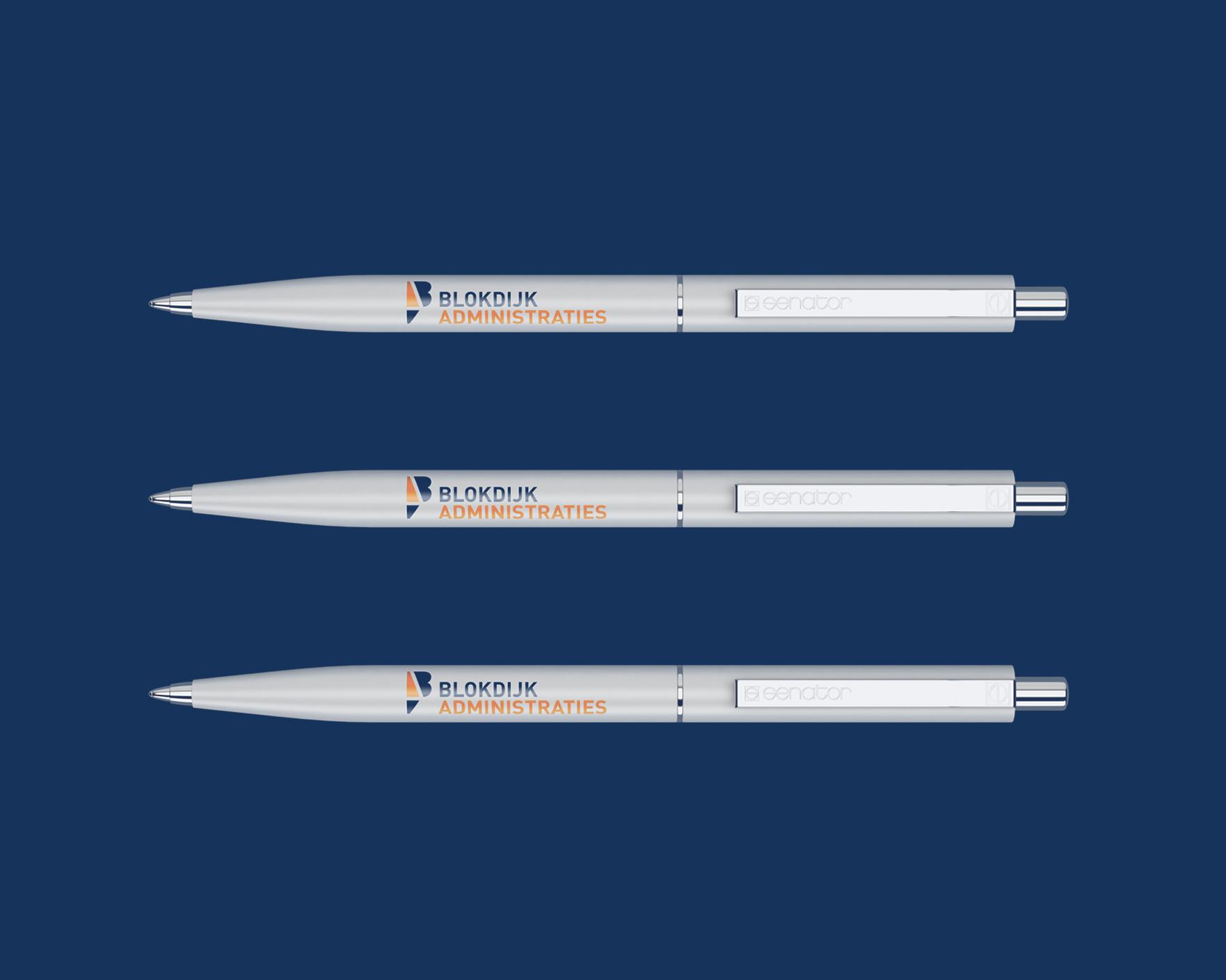 Ontwerp pennen voor Thomas Blokdijk Administraties in Tuitjenhorn gemaakt door Sjoerd van Schagen